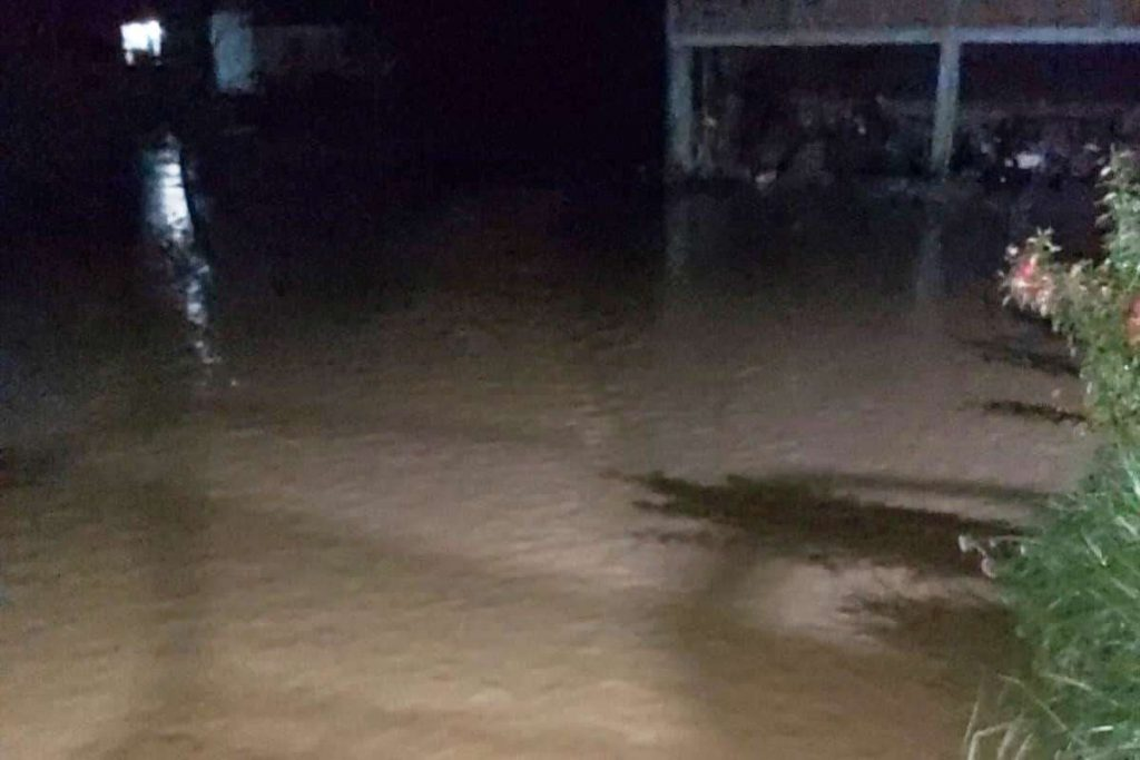 Nevreme se ponovo sručilo na Veliko Trnjane, poplavljeno skoro celo selo – VIDEO
