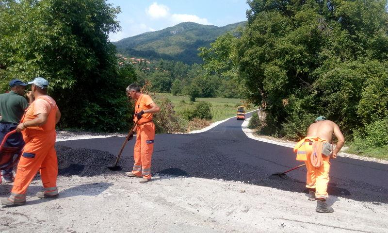 Prva faza izgranje puta na ulazu u selo Vlasi privodi se kraju