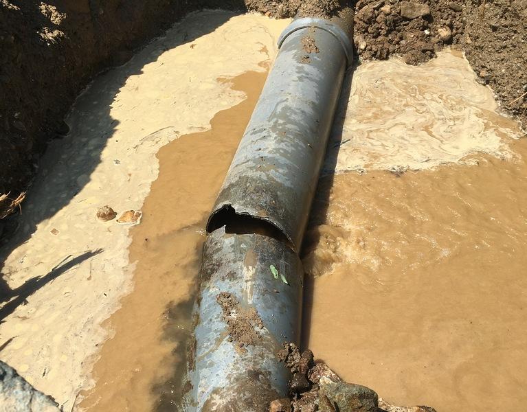 Demanti: Do česmi u Vlasotincu ne stiže zamućena voda