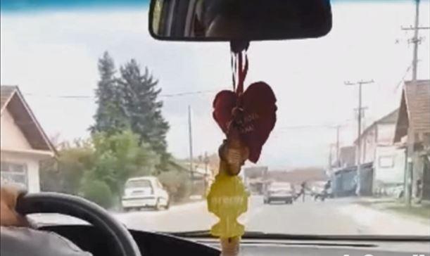 Jurnjava i filmska potera za bahatim vozačem na Lebanskom putu: Kolima nasrtao na pešake, bežao policiji – VIDEO