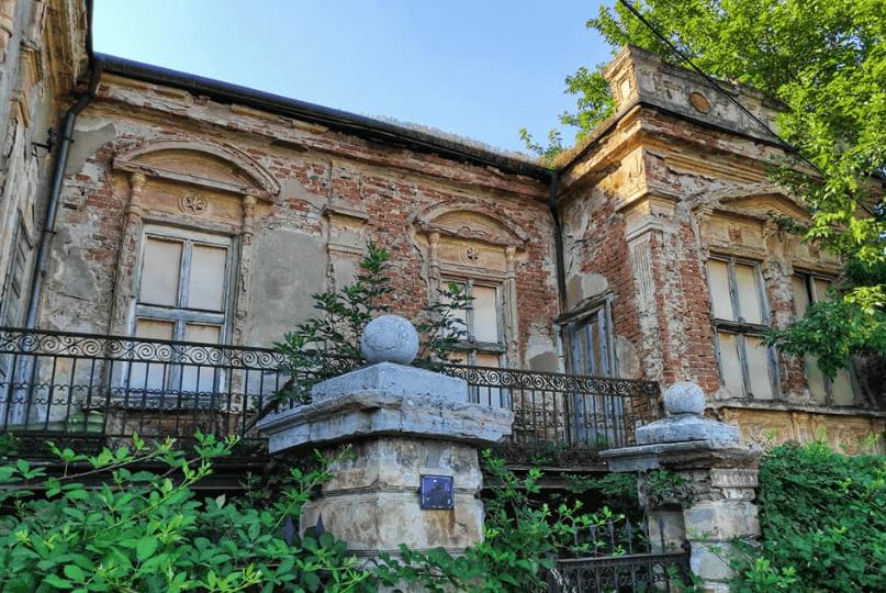 Zaboravljena kuća i dalje pleni lepotom