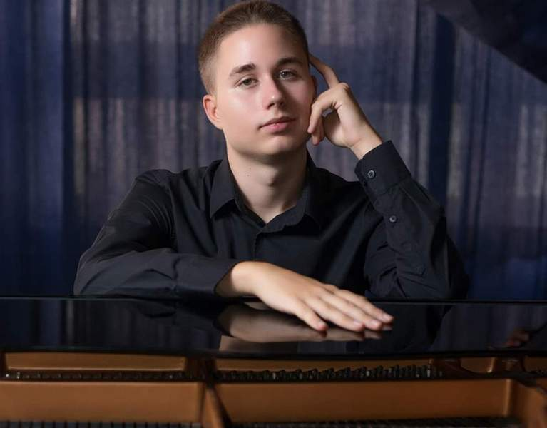 Osamnaestogodišnji pijanista iz Niša pred sudom zbog buke: Komšiji smeta klavir!?
