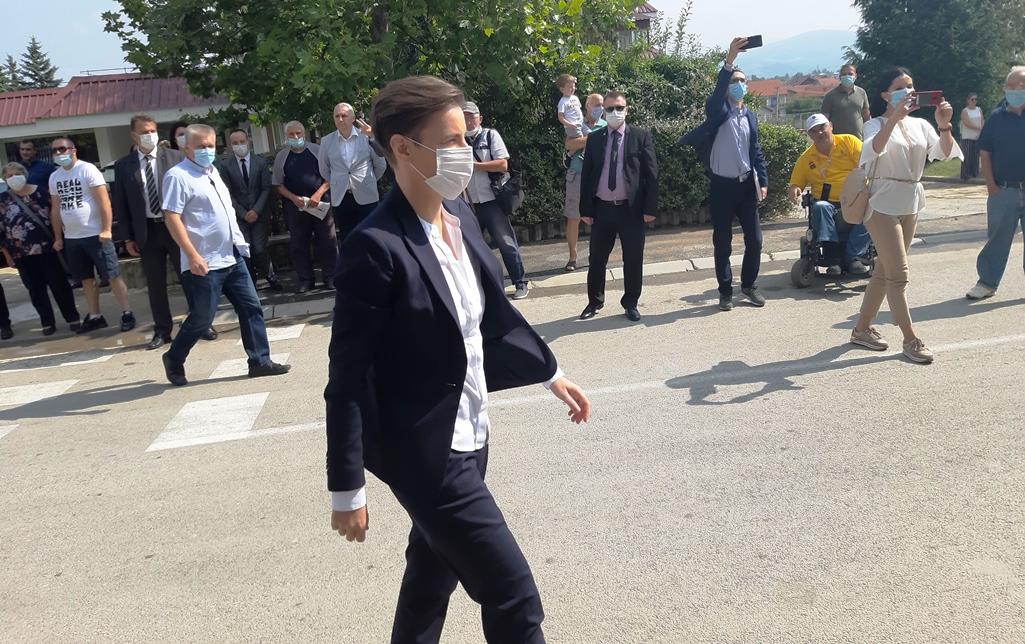 Albanci sa Kosova masovno hrle na vakcinaciju u Bujanovac, Preševo i Kuršumliju
