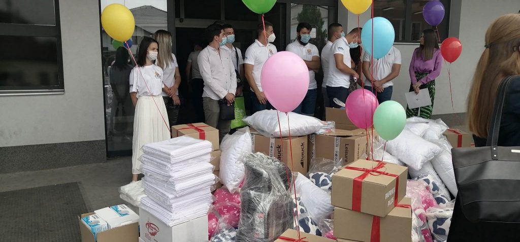 Leskovački mladi aktivisti i preduzetnici donirali bolnici i Domu zdravlja opremu vrednu 350.000 dinara