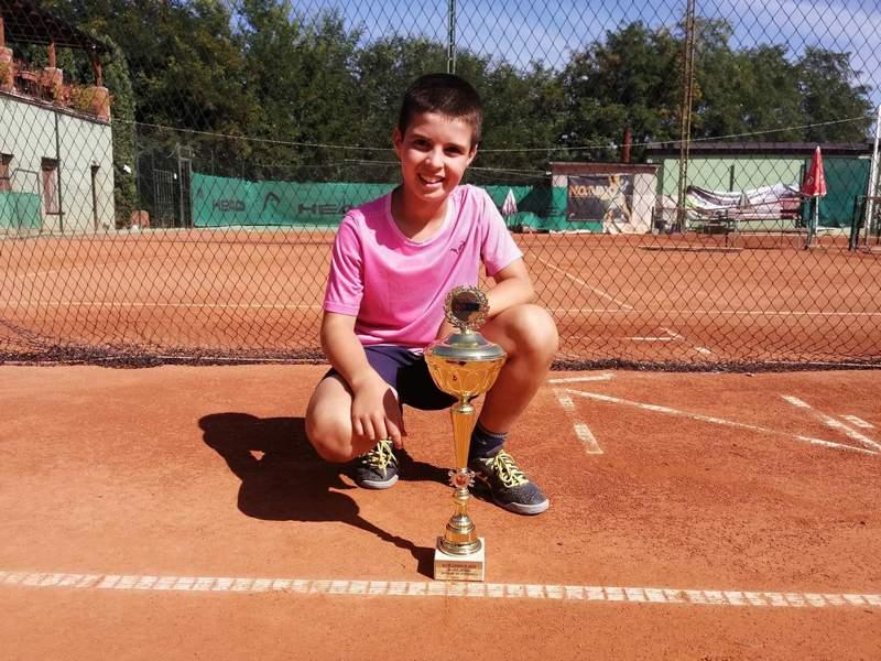 Desetogodišnji Pavle Stojiljković prvak Srbije u tenisu