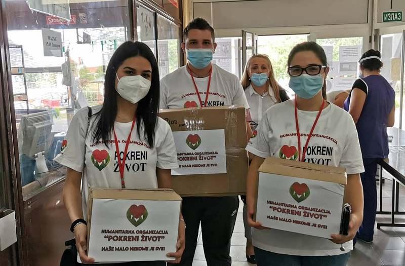 Udruženje Pokreni život doniralo školarcima 2.600 maski