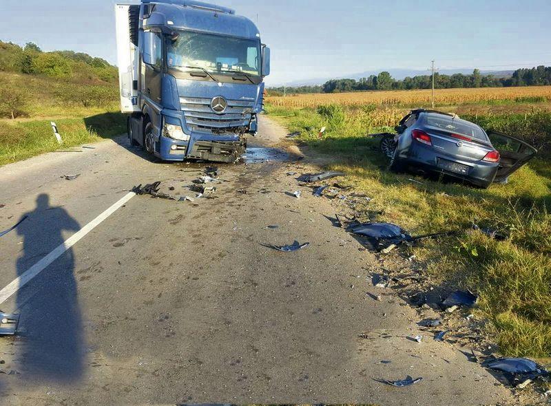 Vozač kamiona pušten na slobodu, nije kriv za saobraćajnu nesreću u kojoj su poginula trojica mladića