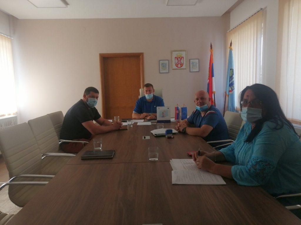 Medveđa potpisala ugovor sa firmom iz Preševa za kapitalno održavanje lokalnih i mahalskih puteva