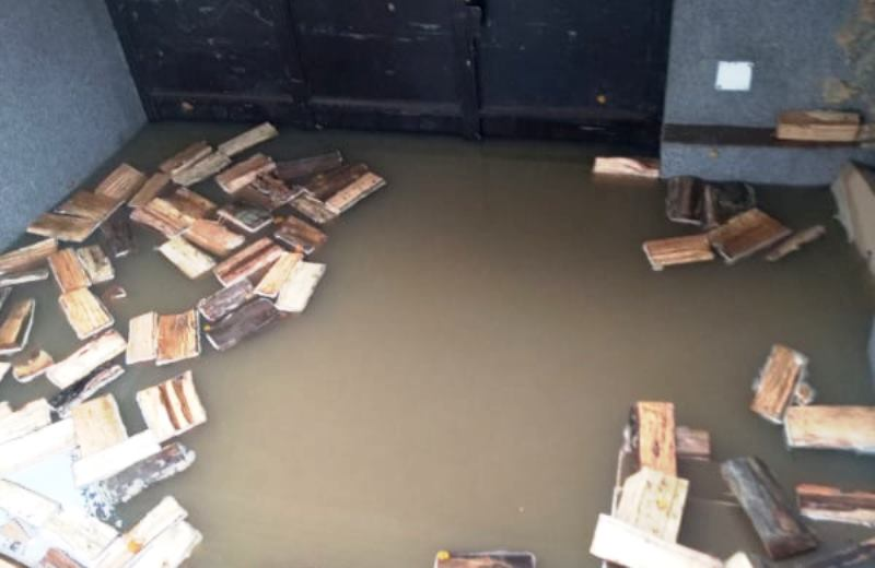 Desetak domaćinstava u Leskovcu poplavljeno nakon pucanja cevi