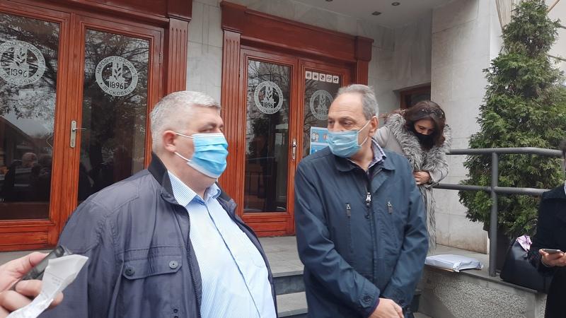 Zdravković o riziku održavanja današnje Skupštine, Cakić o ugovoru za LED osvetljenje u Leskovcu