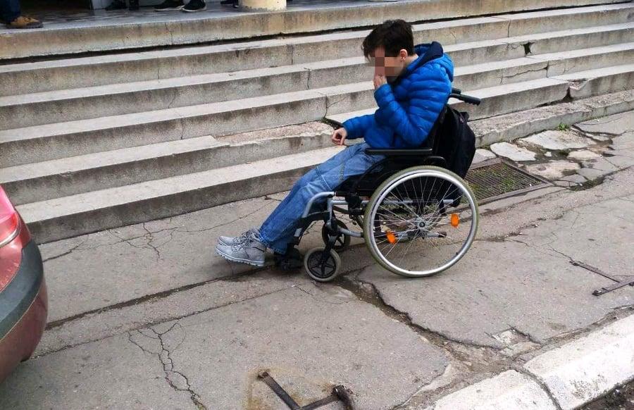 Skoro svaka druga stambena zgrada u Leskovcu bez pristupa za osobe sa invaliditetom, čak i u novogradnji
