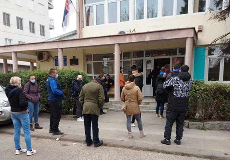 U Leskovačkom kraju još 35 novozaraženih koronom, broj prvih pregleda smanjio se za oko 40 posto