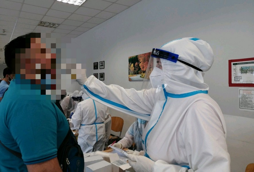 U Srbiji umrlo 38 osoba od posledica korone, a 216 na respiratorima