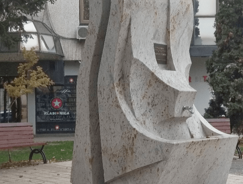 """Radikali prozivaju naprednjake zbog """"propadanja"""" spomenika palim borcima"""