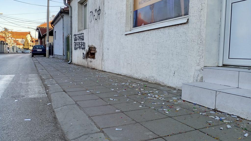 Tinejdžeri se tukli flašama u centru Leskovca u Novogodišnjoj noći