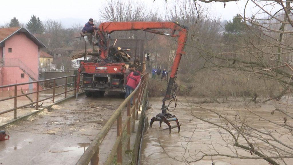 Zbog poplava vanredna situacija u Pirotu, Dimitrovgradu i Beloj Palanci, evakuisani meštani Crvene Reke i Murice
