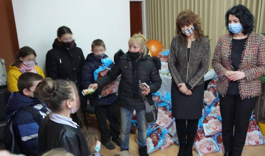I deca u Nišu obradovana poklonima