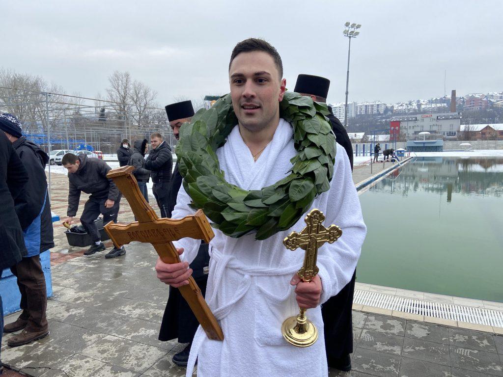 Dvadesetšestogodišnji policajac osvojio prvo mesto na plivanju za Časni krst