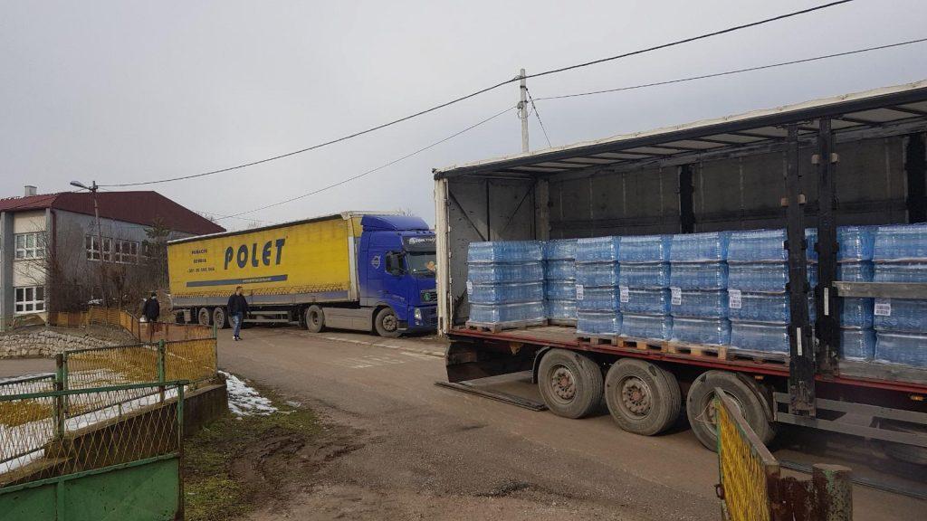 Podeljena još dva šlepera flaširane vode u Babušnici