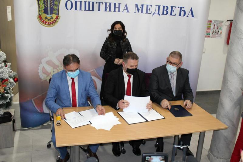 Ministarka Obradović na potpisivanju Sporazuma o saradnji opština Lebane, Bojnik i Medveđa