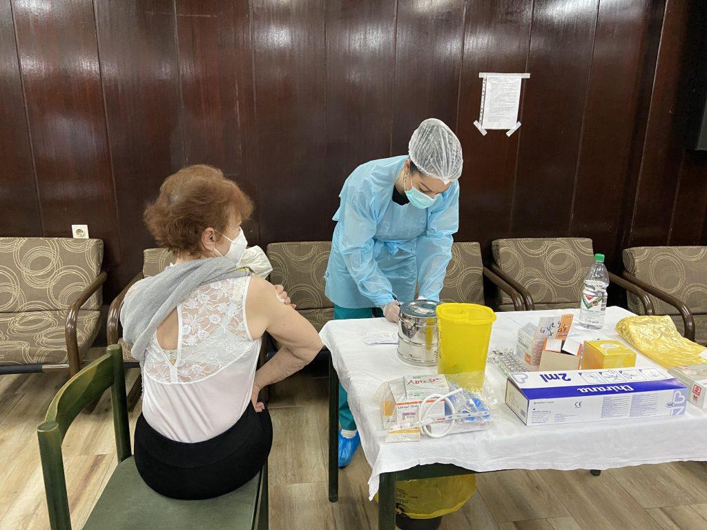 LJUDI I OSTALE LAŽI: Odgovori lekara iz Niša na sva pitanja antivaksera