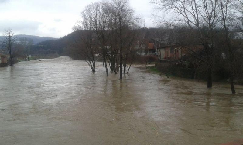 I u Vladičinom Hanu vanredna situacija zbog poplava