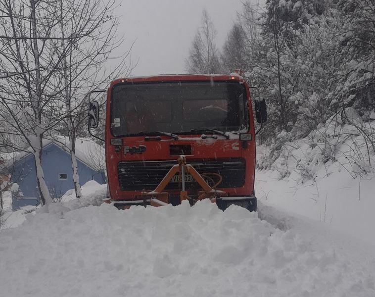 Vlasotince: Čiste se putevi u brdskim predelima, teško do 6 sela