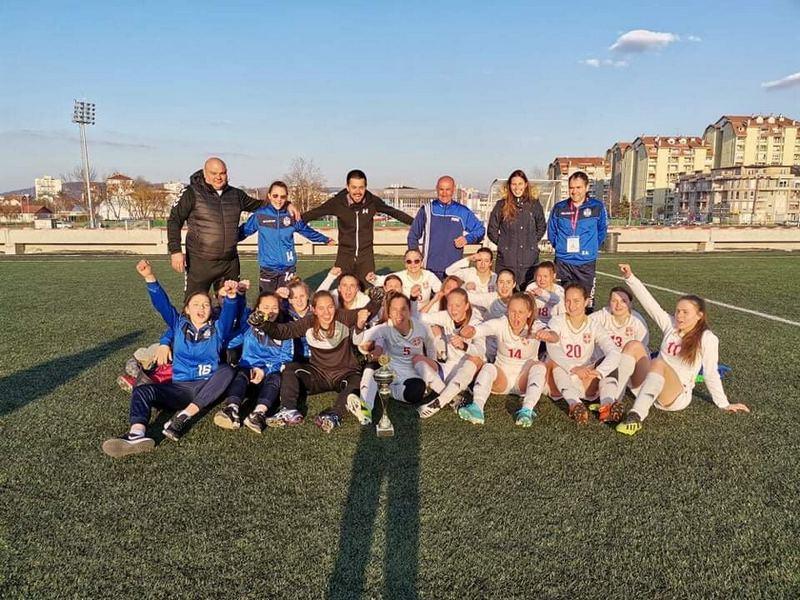 Lavice pobednice kupa FS RIS