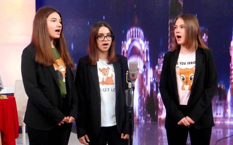 Pevački trio iz vlasotinačke gimnazije prvi u Srbiji