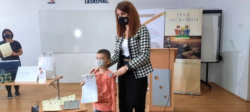 Dodeljene nagrade najboljim radovima osnovaca i srednjoškolaca na konkursu Zimske škole