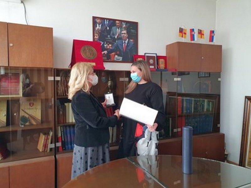 I zlatna medalja doktorke Stefane Mladenović nagrada za sve zaposlene u vranjskom Zdravstvenom centru