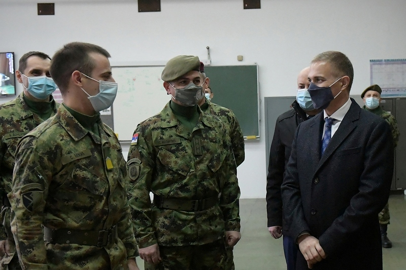 Stefanović: Do kraja godine odluka da li se vraća redovno služenje vojnog roka