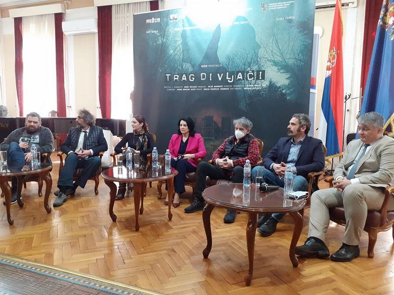 """Ekipa filma """"Trag divljači"""", priče o nestalim ljudima jednog vremena, na prijemu kod gradonačelnice Sotirovski"""