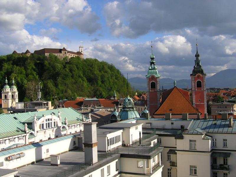 Slovenija mesecima zatvorena ali država sve nadoknađuje