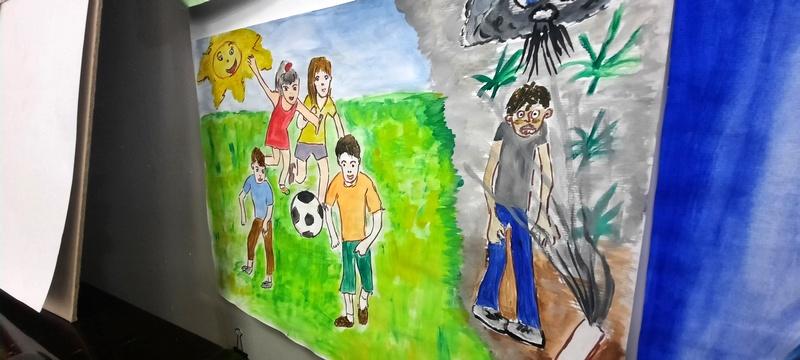 """U leskovačkoj Biblioteci otvorena izložba likovnih radova učenika na temu """"Igraj za zdravlje, droga, jok bre"""""""