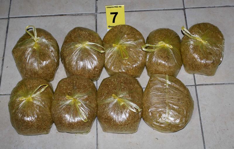 Krivična prijava zbog 93,5 kilograma duvana i 2.430 paklica cigareta