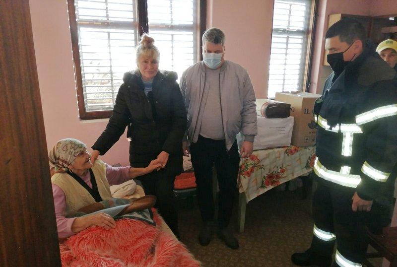 Baka Verka iz Ivanja dobila pomoć u hrani iz Leskovca