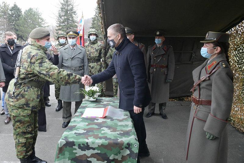 Novi vojnici Srbije zakletvu u Leskovcu položili pred ministrom Nebojšom Stefanovićem