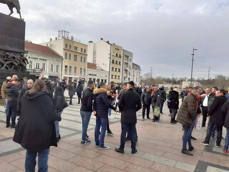 Ugostitelji i muzičari protestovali zbog mera Kriznog štaba