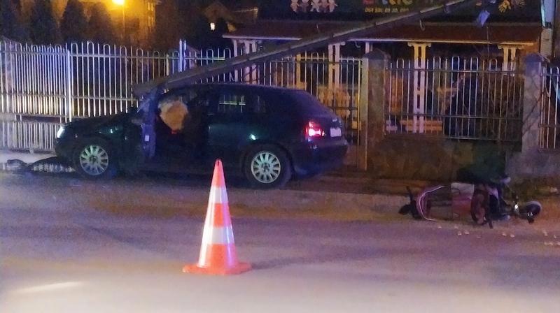 Osamnaestogidišnjak sinoć teško povredio ženu koja je gurala kolica s dvogodišnjim detetom