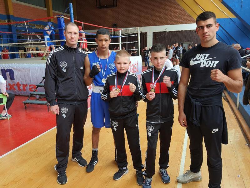 Vlasotinački bokseri osvojili tri zlatne i jednu bronzanu medalju na Prvenstvu jugoistočne Srbije