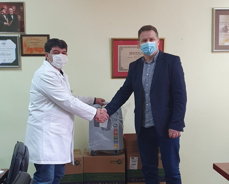 Medveđa donirala 3 koncentratora kiseonika leskovačkoj Bolnici