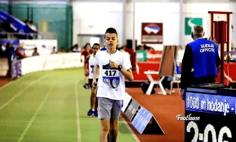 Atletičar Nikola Kocić  iz Vlasotinca i zvanično postavio državni rekord