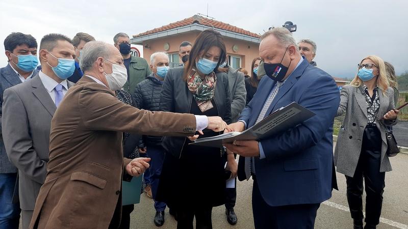 Ministarstvo zaštite životne sredine i grad Leskovac potpisali 4. Aneks ugovora za puštanje u rad objekata linije vode što je preduslov za puštanje u rad linije mulja