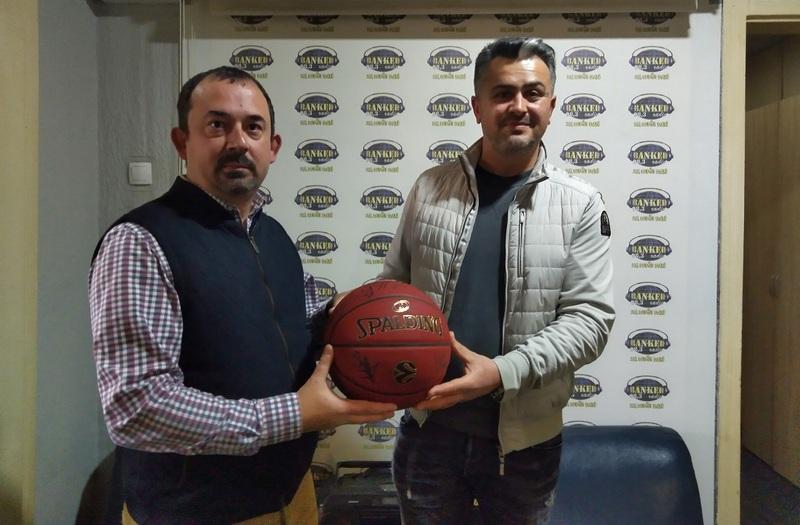 Lopta s potpisima KK Partizan prodata sa 35.0000 dinara
