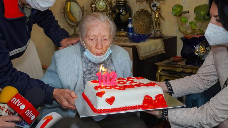 Gradonačelnica Sotirovski posetila najstariju Nišlijku od 102 godine
