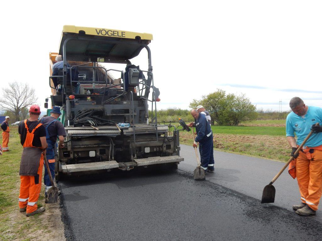 Za rekonstrukiciju puta od Manojlovca do Gornje Slatine 15,6 miliona