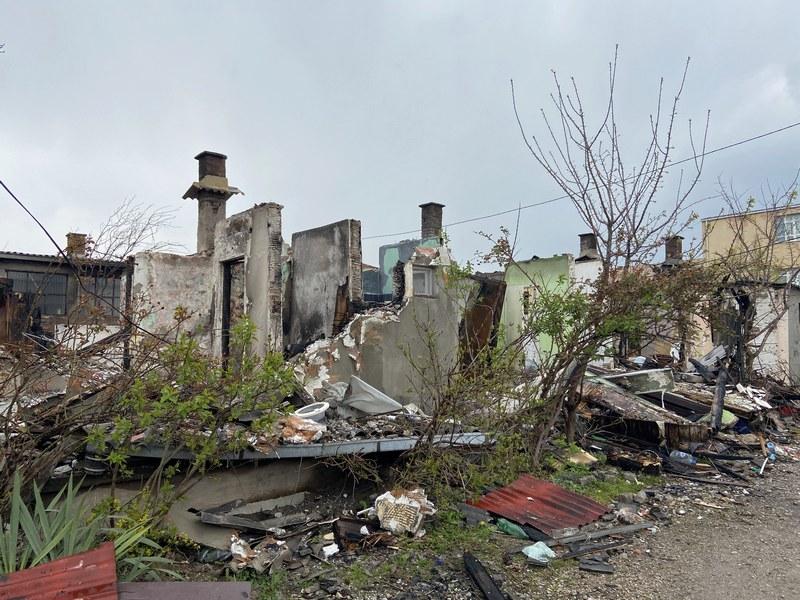 Po 250.000 dinara za porodice koje su u požaru ostale bez krova nad glavom