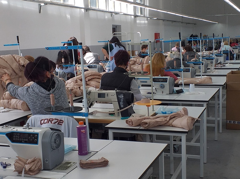 """Turska firma """"Makaron moda"""" pokrenula proizvodnju, zaposleno je 200 radnika, vlasnik najavljuje da će u fabrici raditi 580 radnika"""