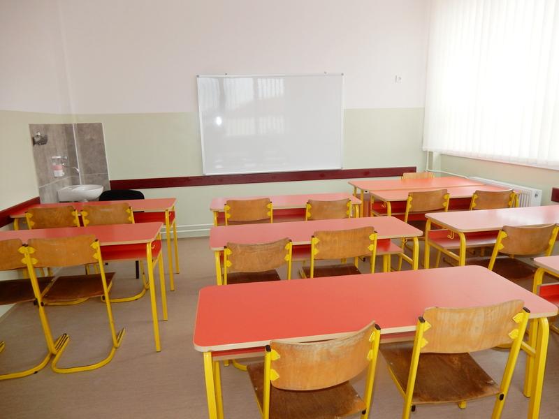 U 40 opština onlajn nastava za srednjoškolce, među njima Niš, Bojnik, Vranje, Preševo i Bela Palanka